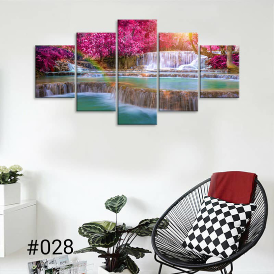 Image sur Tableau décoration d'intérieur - Chute d'eau forêt rose